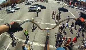 Conduire un vélo géant