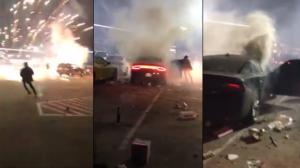 Des feux d'artifice explosent dans une voiture