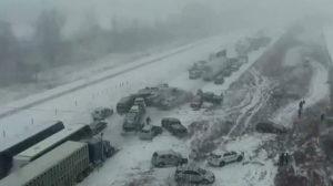 Neige et brouillard sur l'autoroute et c'est le drame