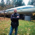 Ce retraité a emménagé un vieil avion et vit dedans, Maison insolite!