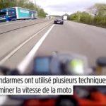 Les gendarmes déterminent la vitesse d'un motard juste sur YouTube