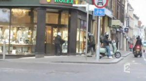 Ces braqueurs attaquent une boutique Rolex et se font ridiculiser par une mamie