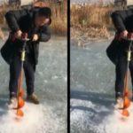 VIDÉO : Il creuse un trou dans la glace mais il a fait une grande erreur !