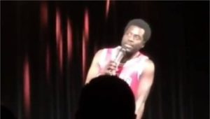 L'humoriste Donel Jack'sman se fait insulter de 'sale noir' sur scène