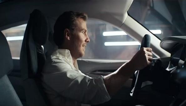 La publicité du Super Bowl 2019 d'Audi montre que son E-Tron GT est à tomber par terre
