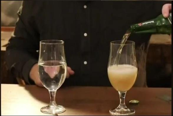 La différence acoustique entre l'eau et la bière