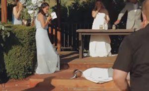 Moment douloureux, le témoin s'évanouit lors d'une cérémonie de mariage
