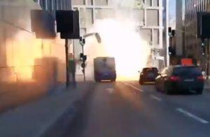 Un bus explose dans le centre de Stockholm, blessant un conducteur