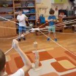Un jeu de coopération pour développer l'esprit d'équipe de vos enfants