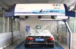 Une machine qui rend le lavage de voiture le plus satisfaisant