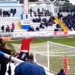 Il manque le penalty à cause d'un supporter