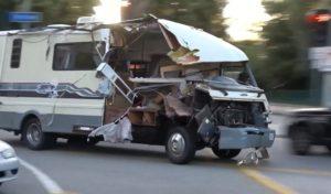 Une course-poursuite entre la police et un camping-car se termine mal