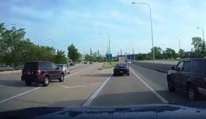 Un conducteur rate sa sortie et provoque un accident en chaine