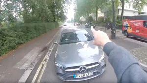 Un cycliste se retrouve face à un automobiliste en infraction
