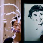 Le portrait de Audrey Hepburn en dentifrice sur le miroir de la salle de bain