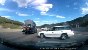 Un conducteur perd le contrôle et réalise un 360° sur l'autoroute