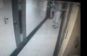 Cette femme évite un agresseur lorsqu'elle allait entrer dans sa chambre d'hôtel