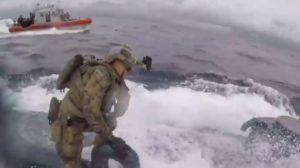 La garde côtière américaine intercepte un semi-submersible de trafiquants de drogue