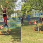 Un scooter handicapé sort de nulle part pour terminer un spectacle hula-hoop