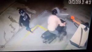 Un braqueur se prend une douche d'essence par le pompiste