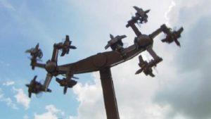 Fermeture d'un manège après la critique de la croix gammée