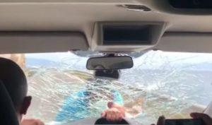 Un restaurateur attaque des touristes espagnols et brise leur pare-brise