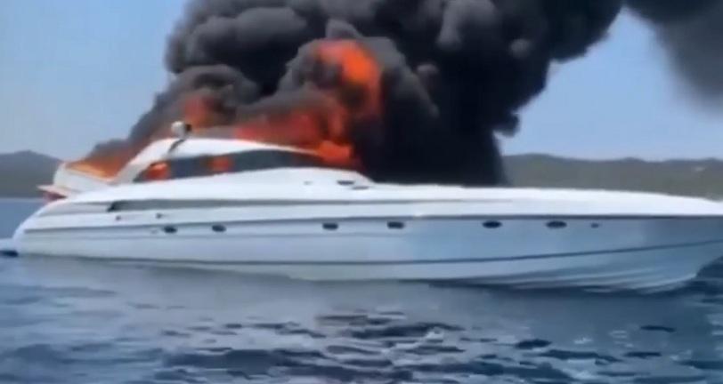 Le yacht de luxe de Maître Gims prend feu dans la mer en Corse