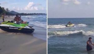 Un brave baigneur sauve un garçon de la noyade en utilisant son jet-ski