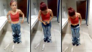 Une femme enlève huit paires de jeans après avoir tenté de les voler