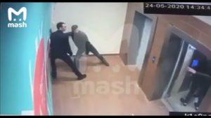 Des voleurs tentent de s'échapper par l'ascenseur