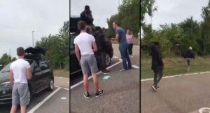 Deux migrants retrouvés cachés dans le coffre de toit d'une voiture