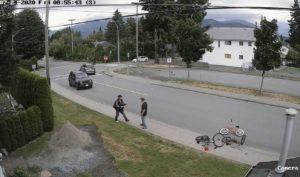 Un père affronte un voleur pour récupérer le vélo de son fils tout juste volé