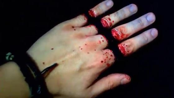 Ces tatouages sur la main sont tellement ultra-réalistes