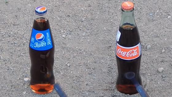 Feu contre bouteilles de Coca-cola et Pepsi. Qui explose ?