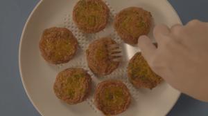 Une assiette qui avale le gras et les calories de votre repas