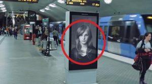 On dirait une publicité d'un Shampoing mais attendez que le train passe!