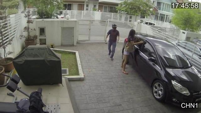Ce voleur pense que voler le sac à main d'une femme va être facile !