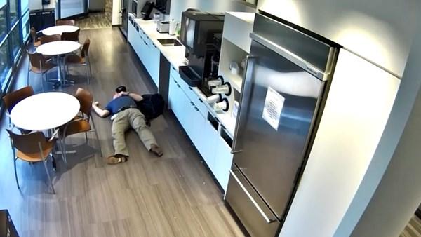 Un employé accusé de fraude à l'assurance, il tombe après avoir jeté des glaçons au sol
