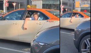 Cet homme bourré vomit en taxi à Dubaï