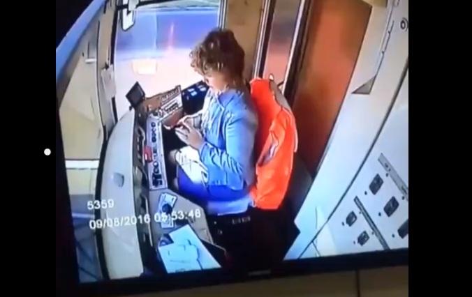 Une conductrice de tramway envoie des SMS et provoque un déraillement