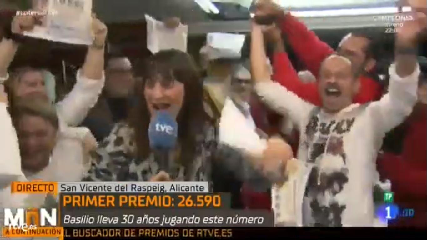 Une journaliste annonce en direct qu'elle a gagné la loterie de Noël