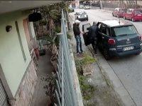 Ils volent une Fiat 500 en poussant