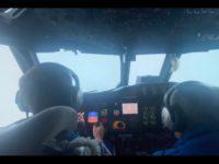 Un avion traverse l'œil de l'ouragan Ida en Louisiane